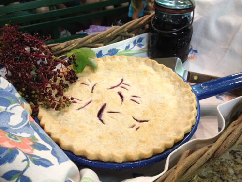 Elderberry Apple Pie (image Jolene Katzenberger)